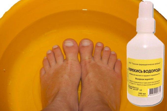 Чтобы избежать в дальнейшем негативных исходов требуется устранять загрубевший участок кожи со стоп.
