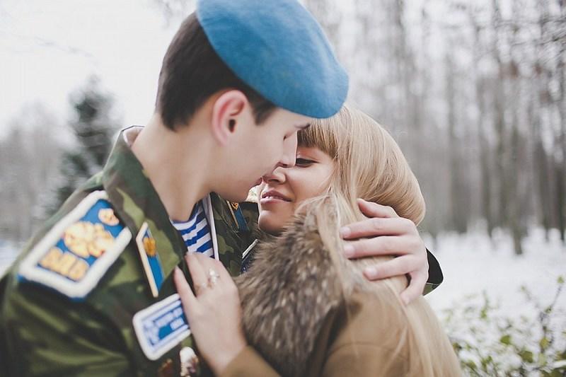 костюмы дождалась из армии поздравления правом нижнем углу