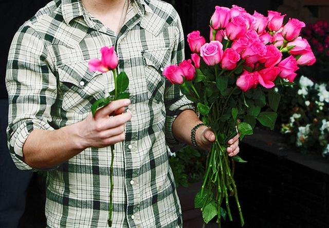Цветы подарить новый год парню 15 лет