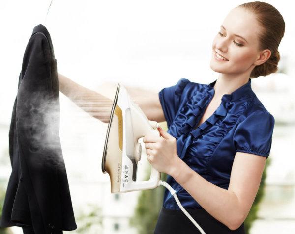 Как почистить пальто в домашних условиях черное